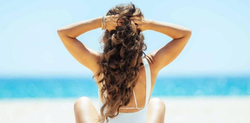 Nüuanded kuidas kaitsta juukseid puhkusereisil olles
