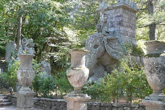 Perierga.gr - Ο κήπος των τεράτων