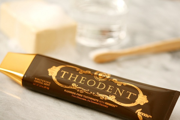 Perierga.gr - Οδοντόκρεμα από... σοκολάτα!!!
