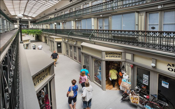 perierga.gr - Μικρά διαμερίσματα σε ιστορικό εμπορικό κέντρο!
