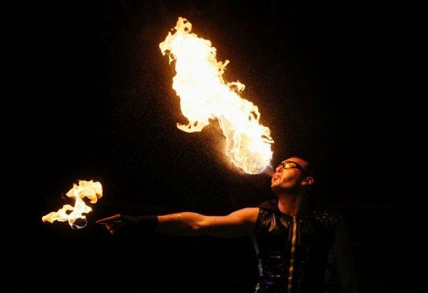 perierga.gr - To εντυπωσιακό Φεστιβάλ Φωτιάς στο Κίεβο!