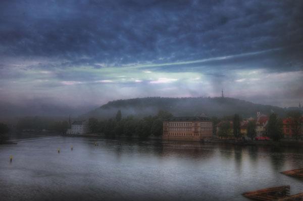 "perierga.gr - Πόλεις ""τυλιγμένες"" στην ομίχλη!"