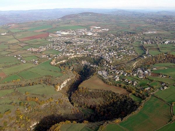 "perierga.gr - Bozouls: Γαλλική πόλη χτισμένη πάνω σε μια ""τρύπα""!"