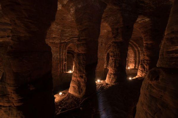 perierga.gr - Λαγούμι οδηγεί σε μεσαιωνική σπηλιά!