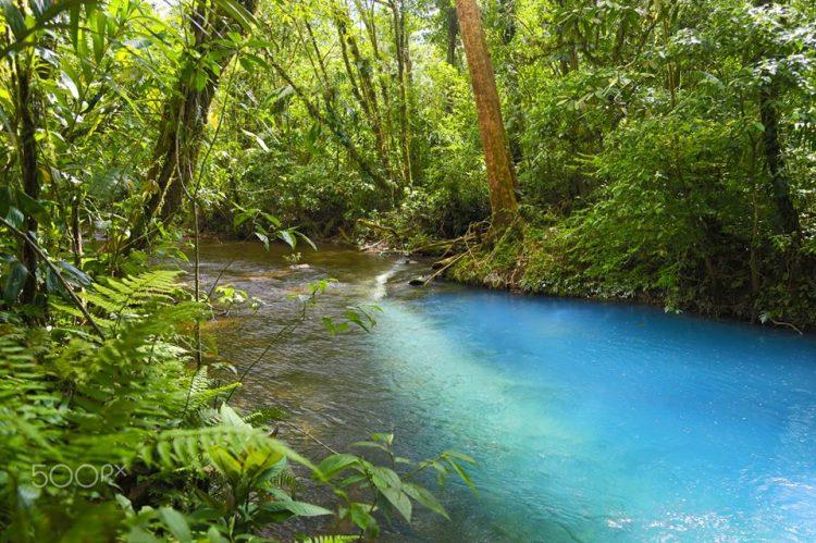perierga.gr - Ο παράξενος τιρκουάζ ποταμός που το χρώμα του αποτελεί... οπτική ψευδαίσθηση!
