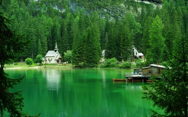 perierga.gr - Braies: Μια υπέροχη λίμνη στους Δολομίτες
