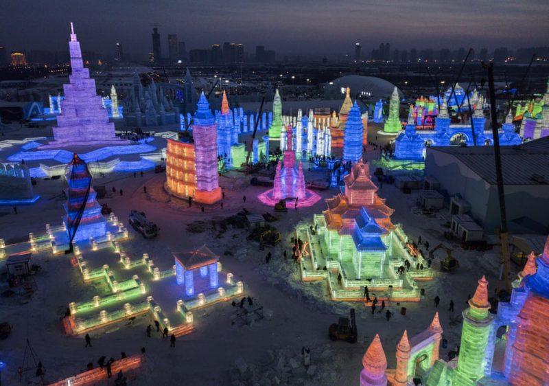 Perierga.gr - Στα... παρασκήνια του περίφημου φεστιβάλ πάγου της Κίνας