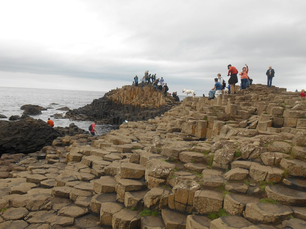 giant's-causeway-finn-mccool-legends-myths-geology-nature-landscapes-travel-northern-ireland-giants-basalt-columns-erosion-volcano