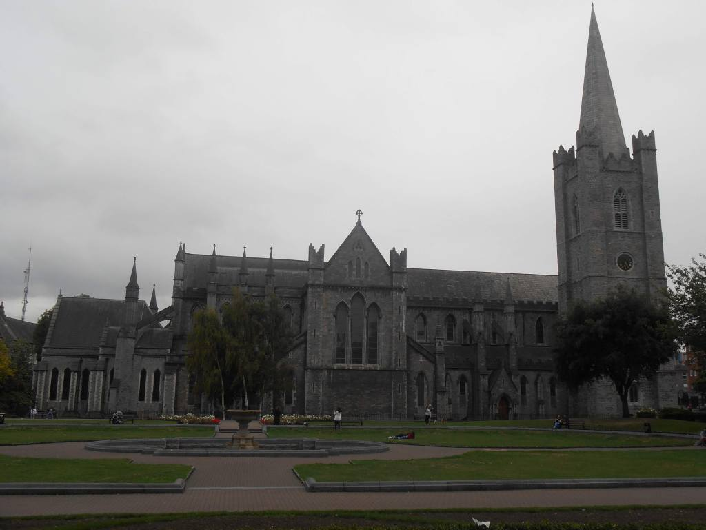st.-saint-patrick-gothic-christianism-protestantism-anglican-church-Ireland-Dublin-architecture-art