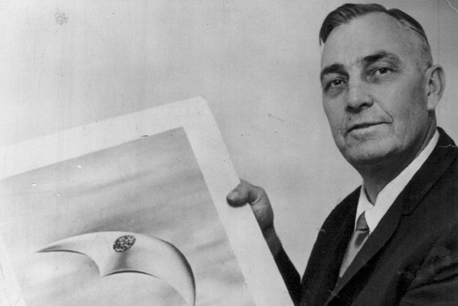 kenneth arnold-ovnis-ufos-ufologia-ovni-monte rainier-24 de junio de 1947-washington