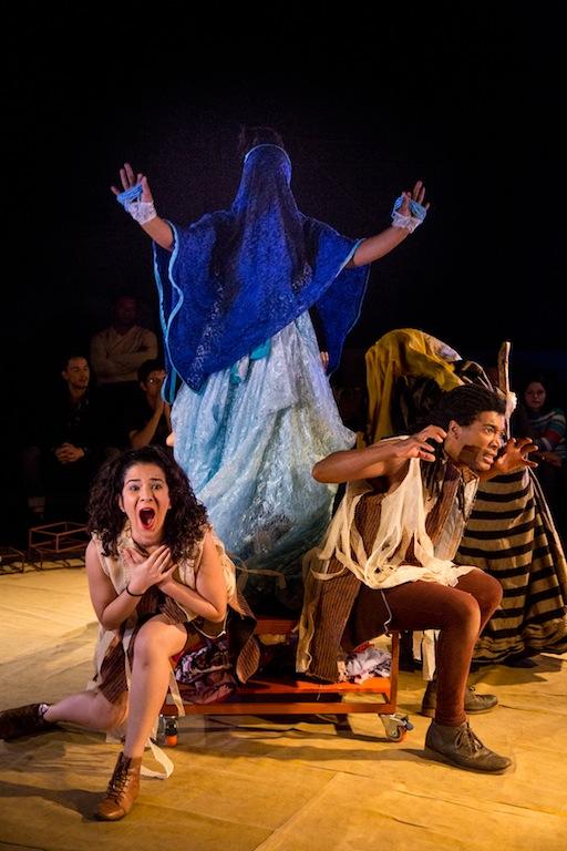 Cena do espetáculo do coletivo Quizumba (Foto: Alicia Peres)