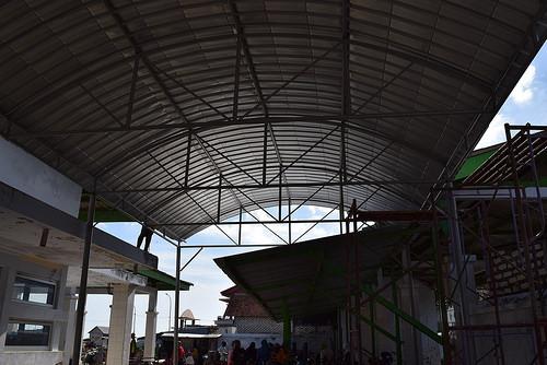 Pengadaan Canopy Tempat Perbaikan Jaring di TPI Branta Pesisir 2016