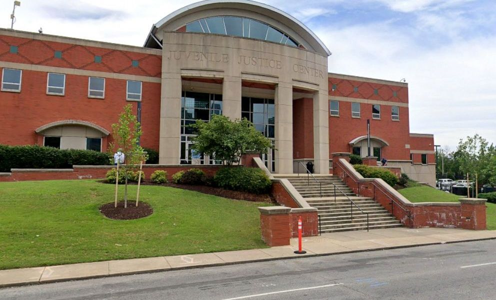 Four Prisoners Escape from Davidson County Juvenile Detention Facility, Tennessee