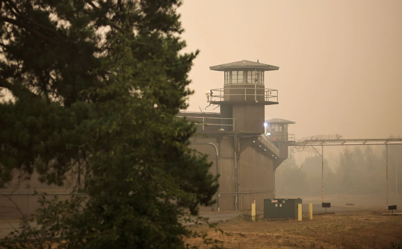 Oregon Prison Quarantined as New Cases Emerge Following Wildfire Evacuations