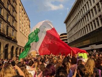 La bandera mexicana feminista