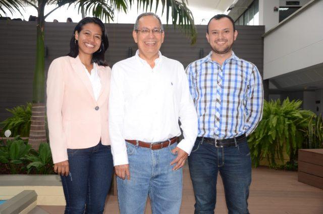 Daniel Martínez, Karin Aguilar y Henry Lamos, profesores e investigadores del Grupo Ópalo de la UIS. / FOTO SUMINISTRADA