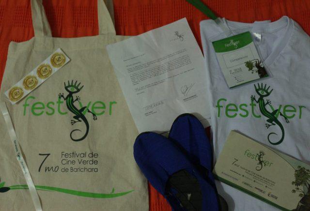 Kit de regalo por parte del festival para cada uno de sus invitados. /FOTO FELIPE ARENAS GALLO.