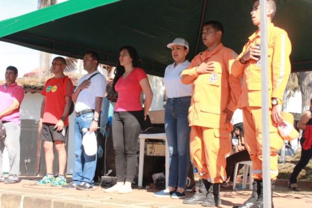 Con un acto protocolario, las autoridades locales dieron inicio a la competencia hacia las 8 de la mañana de este lunes festivo.
