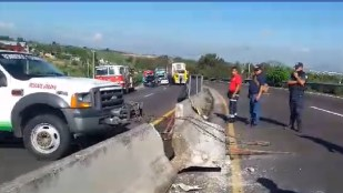 VIDEO: Carretera en mal estado provoca dos accidentes casi en el mismo lugar
