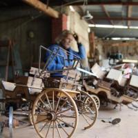 Pervive tradición carretonera por manos de artesano de Luis Moya