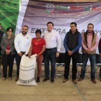 Llevan Pagos de Seguro Catastrófico y semillas a productores de Tlaltenango