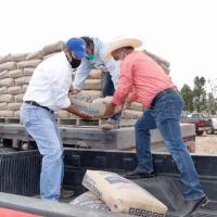 Familias de Pinos reciben material para Construcción