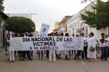 140412-marcha-dia-victimas