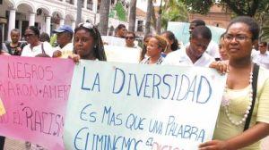 Marcha-Afrobolivianos-Santa-Cruz-protestaron_LRZIMA20120111_0001_3