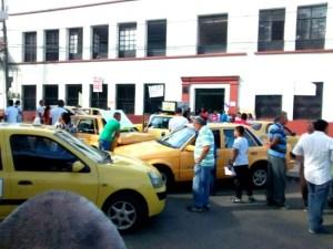 Transportadores-de-servicio-público-bloquean-calles-en-Santander-de-Quilichao