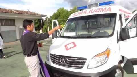 sebastian con ambulancia