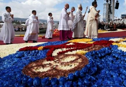 Papa-Francisco-en-Ecuador-15-580x400
