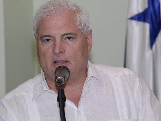 e_panama_president_ricardo_martinelli_speaking_at_press_conference