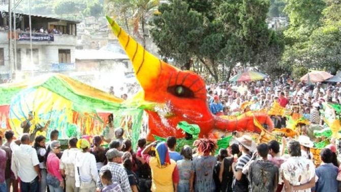Carnavales-de-Negros-y-Blancos-en-Balboa-Cauca 1 (1)
