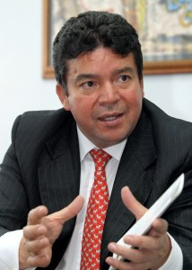 Julio Roberto Gómez, secretario general de la Confederación General de Trabajadores (CGT), comentó sobre las expectativas con el presidente Santos. Colprensa)