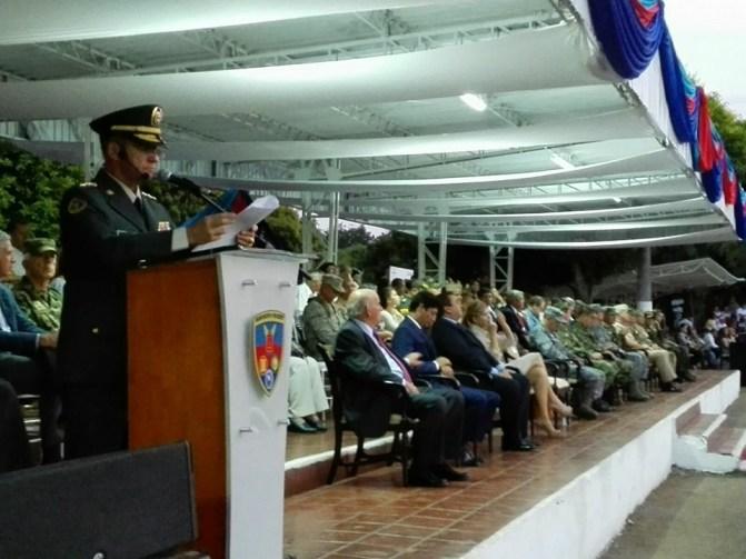 campo en ceremonia militar