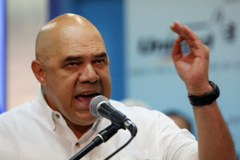 Jesus Torrealba, secretary of the Venezuelan coalition of opposition parties (MUD), speaks during a news conference in Caracas September 24, 2014. Venezuela's opposition parties on Wednesday named Torrealba to head their coalition before the 2015 parliamentary elections, where they hope to weaken Venezuela's President Nicolas Maduro's socialist government. REUTERS/Carlos Garcia Rawlins (VENEZUELA - Tags: POLITICS)