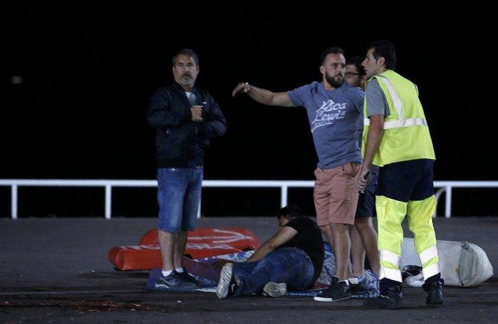 francia-ataque-terrorista-deja-JPG_976x0