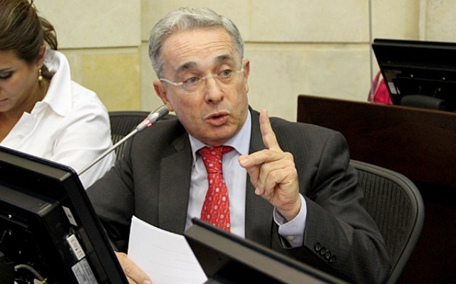 senador-alvaro-uribe-velez-27