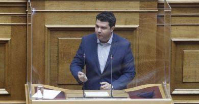 Κάτσης: Με data αξίας 20 ευρώ ο κ. Μητσοτάκης προσπαθεί να εξαγοράσει τη νέα γενιά