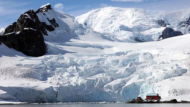 Los secretos de la Antártida – El Continente Prohibido