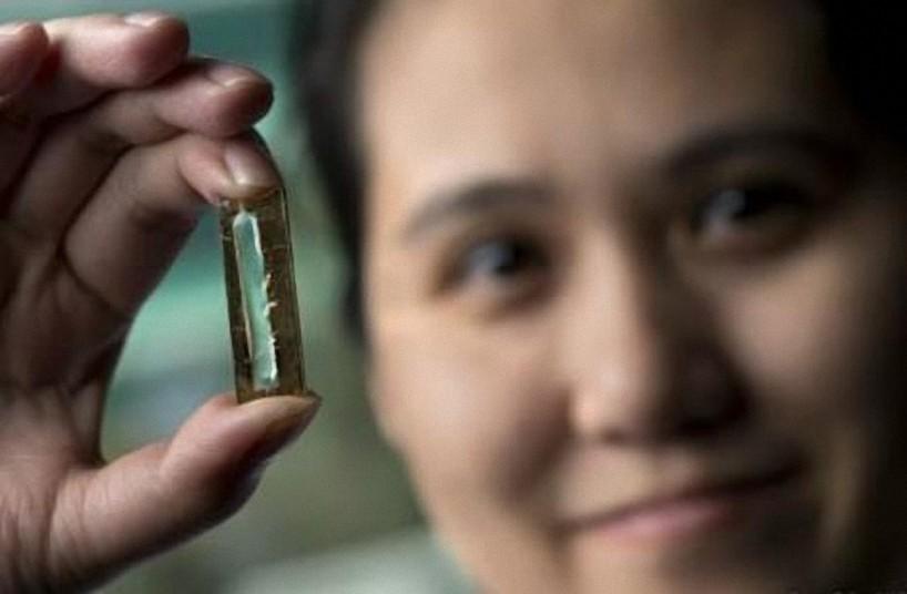 Mujer inventó una batería que dura toda una vida