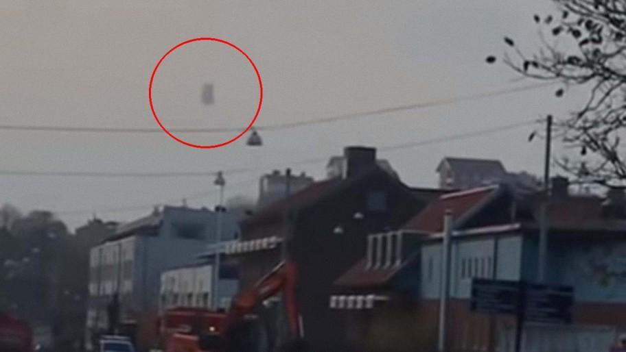 Graban un misterioso ovni moviéndose y cambiando de forma en el cielo sobre Suecia