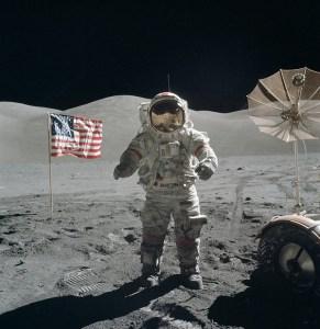 """""""Los cosmonautas rusos comprobarán si los estadounidenses realmente llegaron a la Luna"""""""