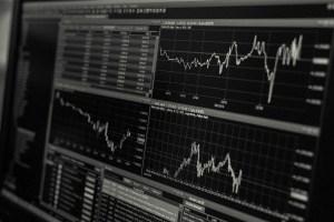 """""""Lo peor está por llegar"""": Expertos predicen un hundimiento aún mayor de los mercados en 2019"""