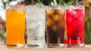 Demasiado consumo de bebidas azucaradas aumenta riesgo de cáncer