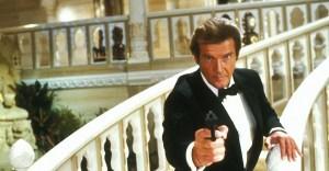 La hija de Roger Moore dice que el mítico actor de James Bond le envía mensajes desde el más allá