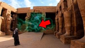 Algo muy extraño sucede en este templo egipcio