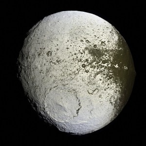 ¿Es Japeto un Planeta Artificial?