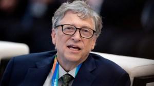 """Bill Gates pronostica cuándo el mundo podría """"volver completamente a la normalidad"""""""