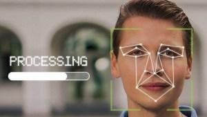 """Policía británica actualiza una red tecnológica de reconocimiento facial """"masivamente invasiva"""" y el organismo de control advierte del coste de la """"confianza pública"""""""